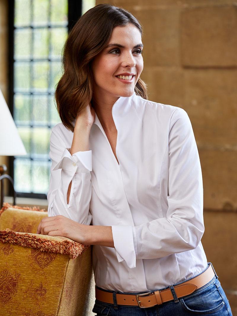 Bluse mit kelchkragen in wei bestellen the british shop for Mode aus england