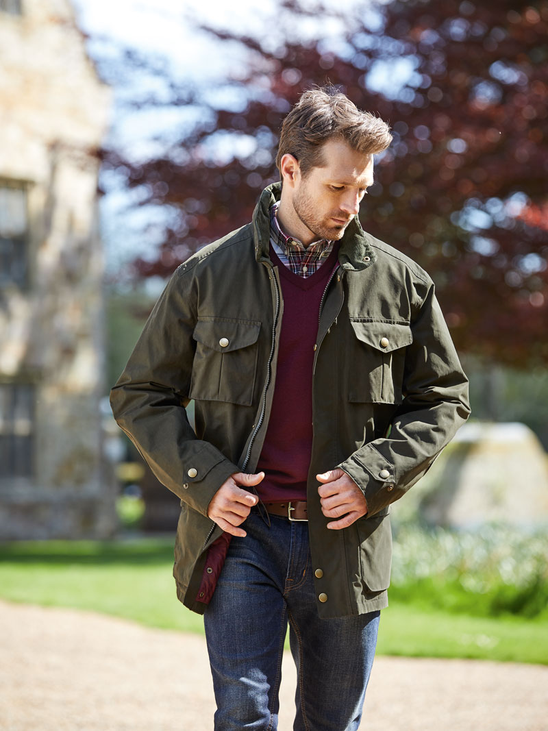 Barbour Funktionsjacke in Dark Olive Bild 2
