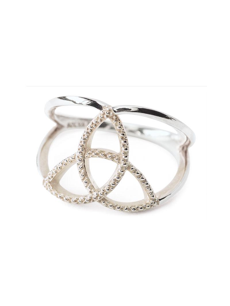 Solvar Trinity Knot Ring