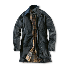 Barbour Beaufort Wachsjacke in Navy