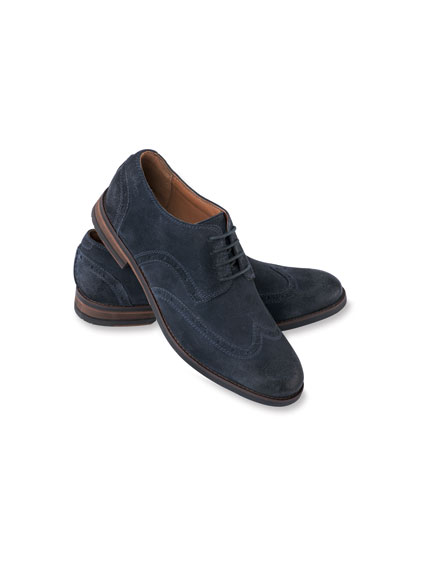 Clarks 'Country Brogue' in Navy